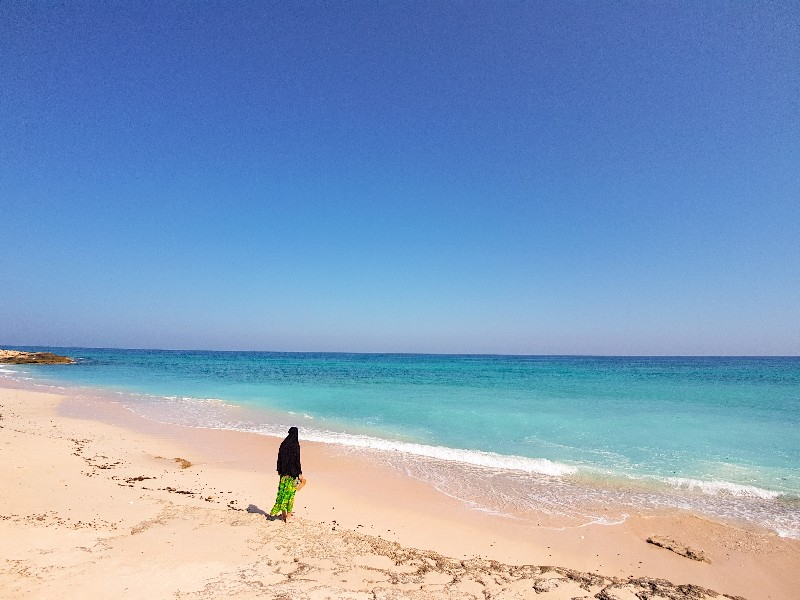 Tiwi strand Oman kamperen