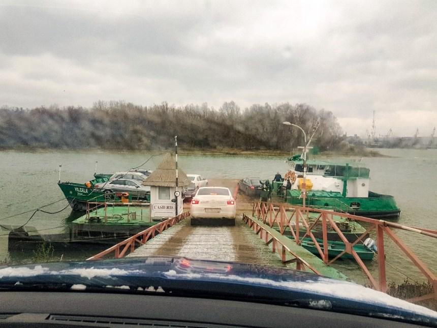 Donau pont oversteken sneeuw Roemenië