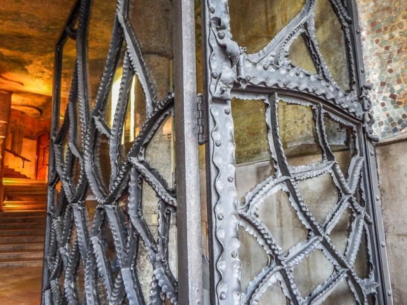 casa mila la pedrera barcelona butterfly door
