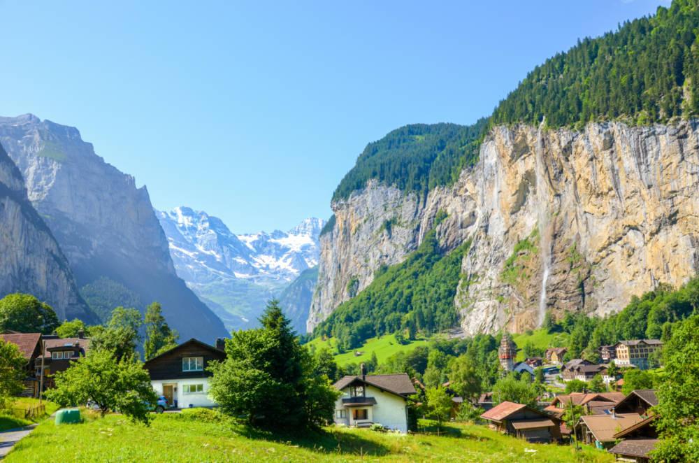 Lauterbrunnen – výlet do údolí vodopádů