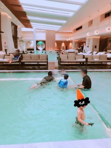 室内プールの様子