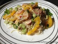 Gluten free rice noodles with vegetables. Makaron ryżowy z warzywami z patelni.