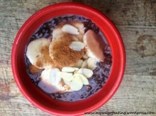 Vegan chocolate chia pudding. Wegański budyń czekoladowy z nasionami chia.