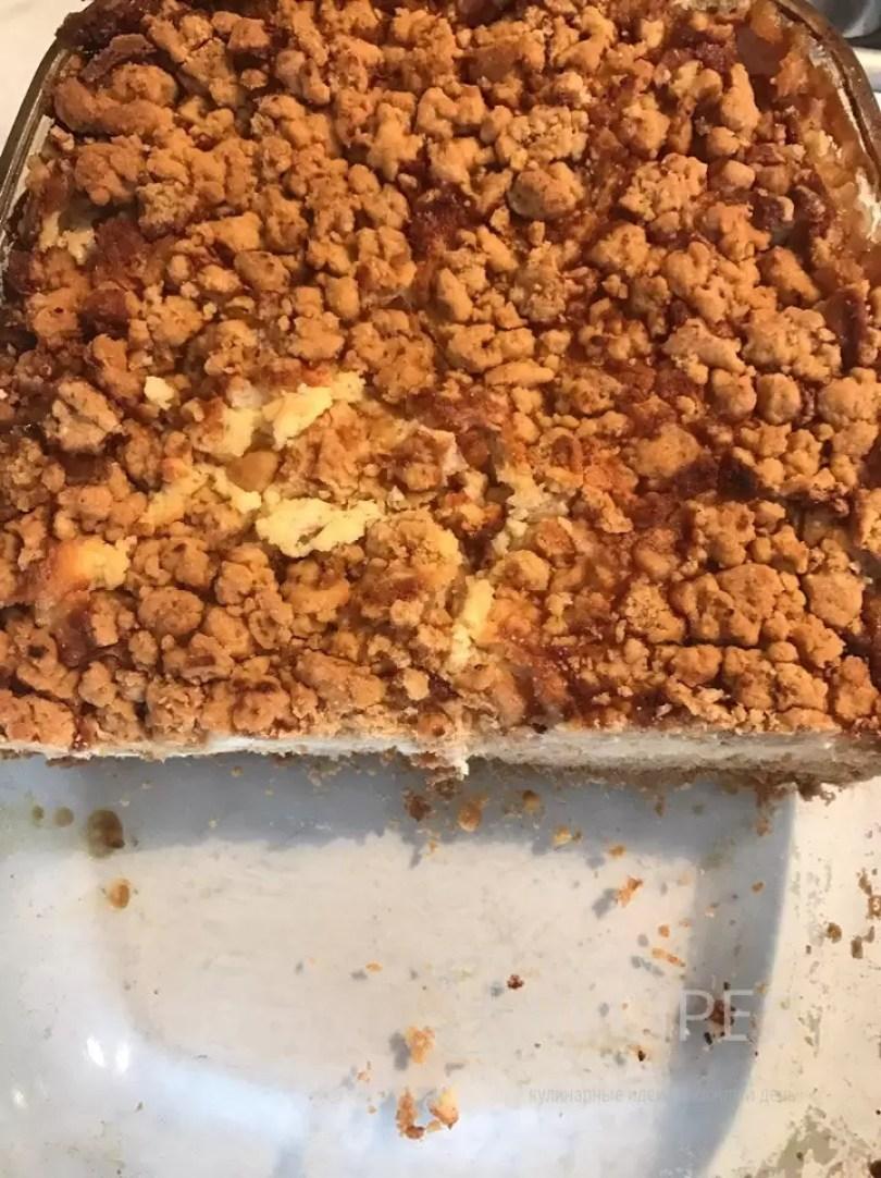 творожный пирог и персиками