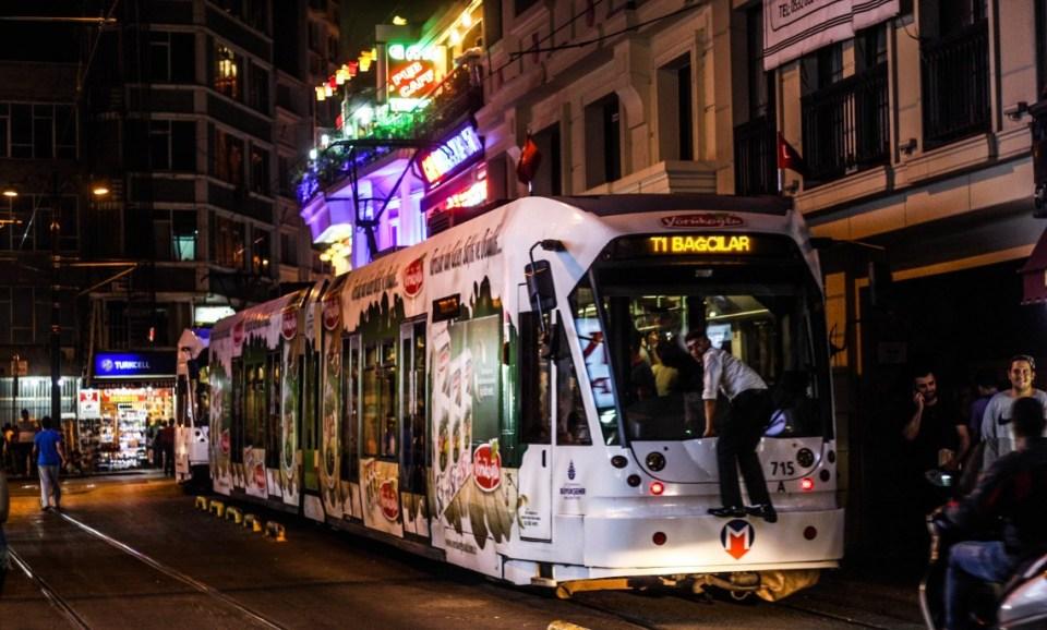 Photo Essay: Istanbul at night