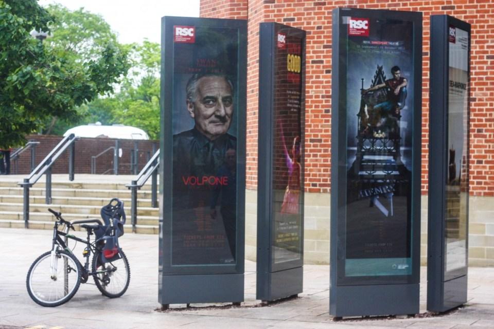 Lone Bicycle Photo Essay: Straford-Upon-Avon, England
