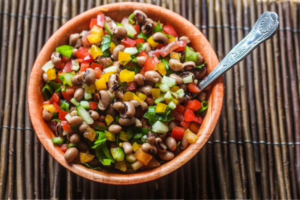 Salatu Niebe (black-eyed beans salad) from Senegal