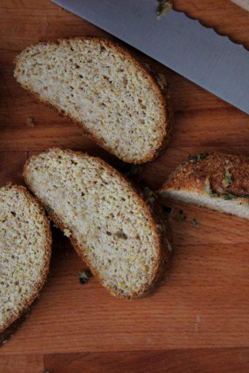Чеснов кето хляб с ленено семе