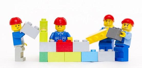 Resultado de imagem para lego building team