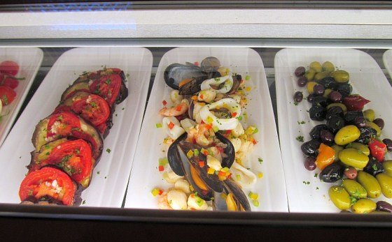 appetizing appetizers at The Wine Bar - olives, calamari and more