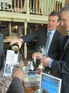 Gilles de la Bassetier pouring his Champagne de Venoge
