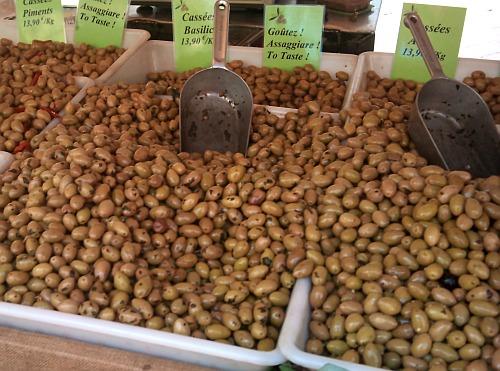 Olives to taste