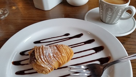 Sfogliatelle with Nutella and Ricotta at Mangia e Scappa
