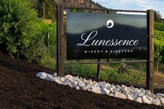 Lunessence Winery sign