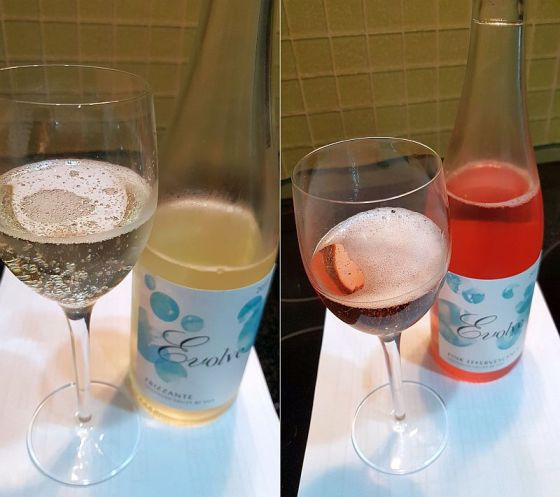 Evolve Cellars Frizzante and Pink Effervescence 2017 in the glass