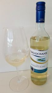 Two Oceans Sauvignon Blanc 2018 with wine in glass