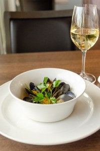 Saffron Mussel Steamer with Sea Star Pinot Blanc 2020 (PC Emrys Horton _EPH6536)