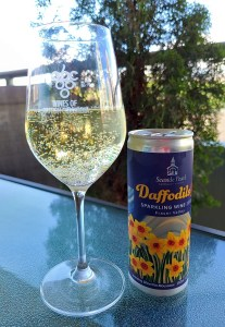 Seaside Pearl Daffodils To Go Sparkling Wine 2019 in glass on the patio