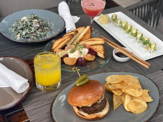 D6 Bar & Lounge food items
