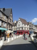 1. Bourges (27)