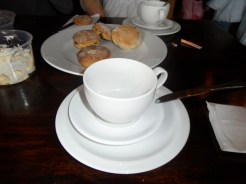 3. Cream tea time ! (4)