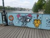 Love-locks bridge (7)