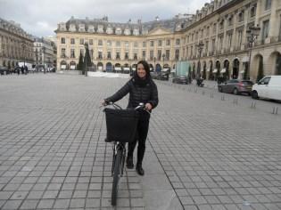 2.Paris Charms & Secrets (13)