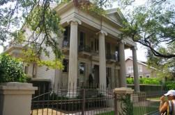 A house in the Garden Quarter near WorldMark Avenue Plaza Resort, New Orleans