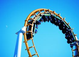 A Gold Coast family holiday must - theme park rides!