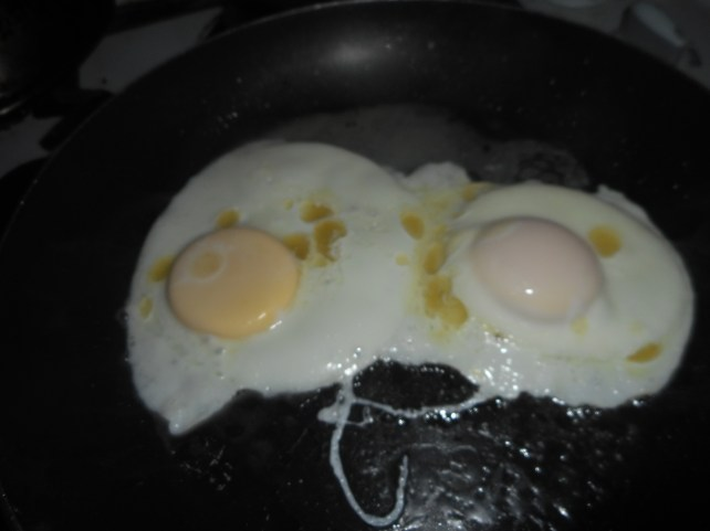 butter poached eggs 004
