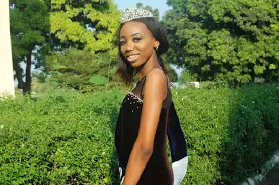 AN INTERVIEW WITH THE WINNER OF THE 2017 BOWEN BEAUTY PAGEANT 40