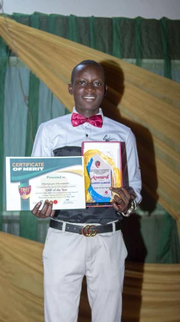 SUPERLIGHT PRESENTER RECEIVES OAP OF THE YEAR AWARD 2019 SOUTHWEST NIGERIA 3