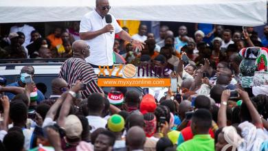 Photo of 'All you can boast of in Ashanti are public toilets' – Mahama jabs Akufo-Addo
