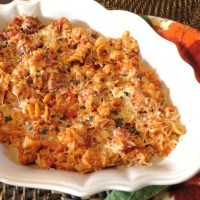Rotini with Creamy Red Sauce, Italian Sausage and Chicken