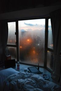 9c4079e26f5773f4ace3aa2210c4cf9b--cozy-rainy-day-rainy-morning