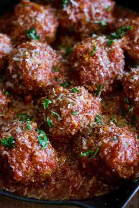 Easy Homemade Italian Meatballs are made tender and flavorful by slowly simmering them in a rich and delicious marinara sauce