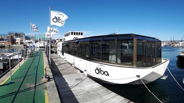 dining restaurant boat