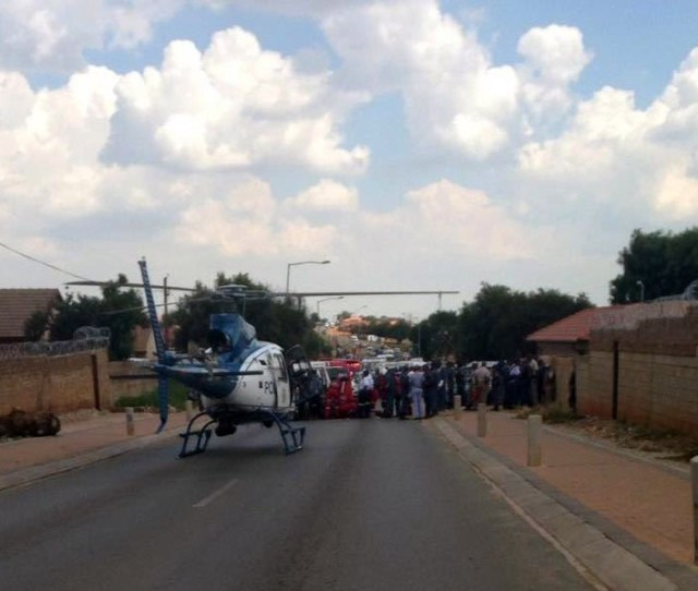 Cop SHOT and Injured by truck hijackers in Kagiso