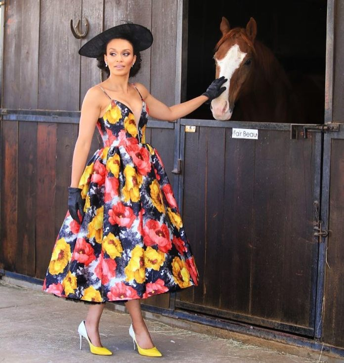 Pearl2 1 - Mzansi Celebs: Pearl Thusi Looked Exquisuitely Beautiful In This Vintage