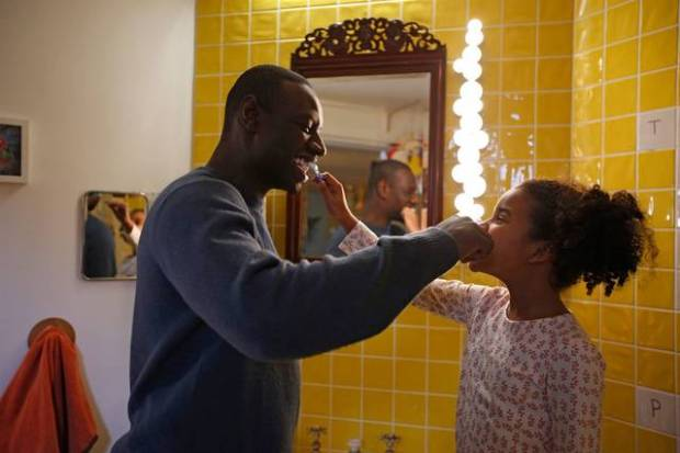 Two is a family Gloria Colston Omar Sy foto dal film 4_mid