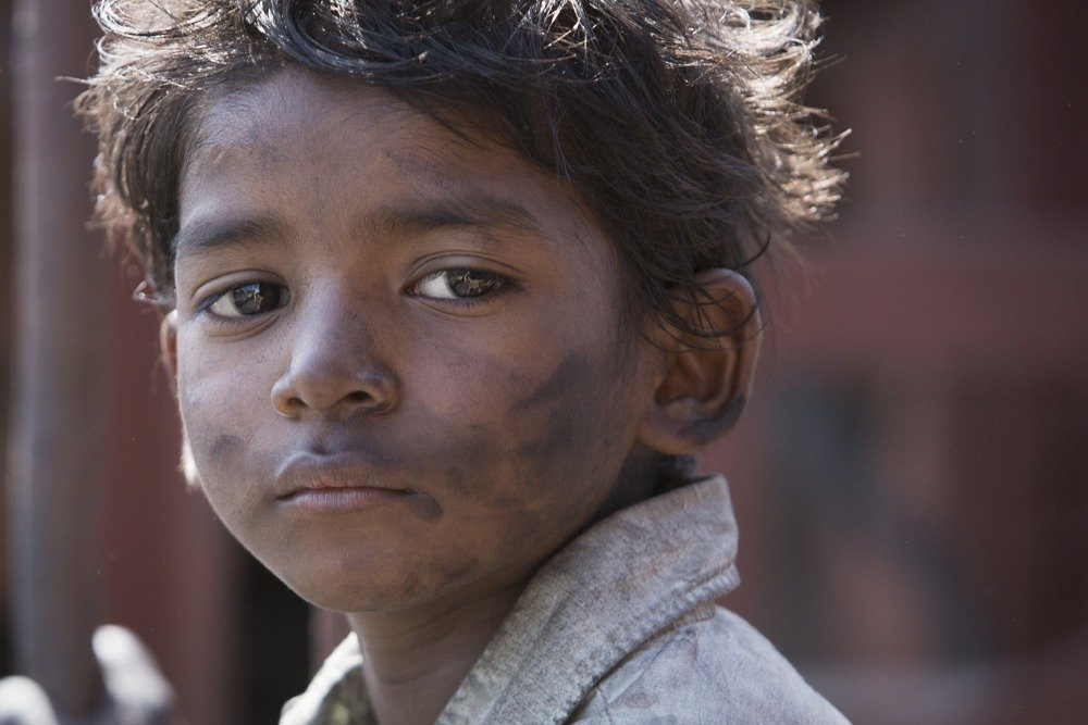 Sunny Pawar as Saroo Brierley in Lion.