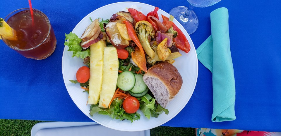 grand-hyatt-kauai-vegan-luau-plate