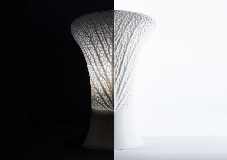 Bromeliad Lamp on / off
