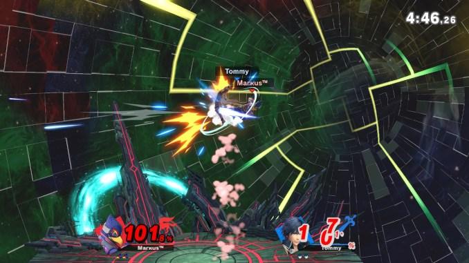 Das Foto zeigt, wie Falco Chrom in den Hintern kickt.