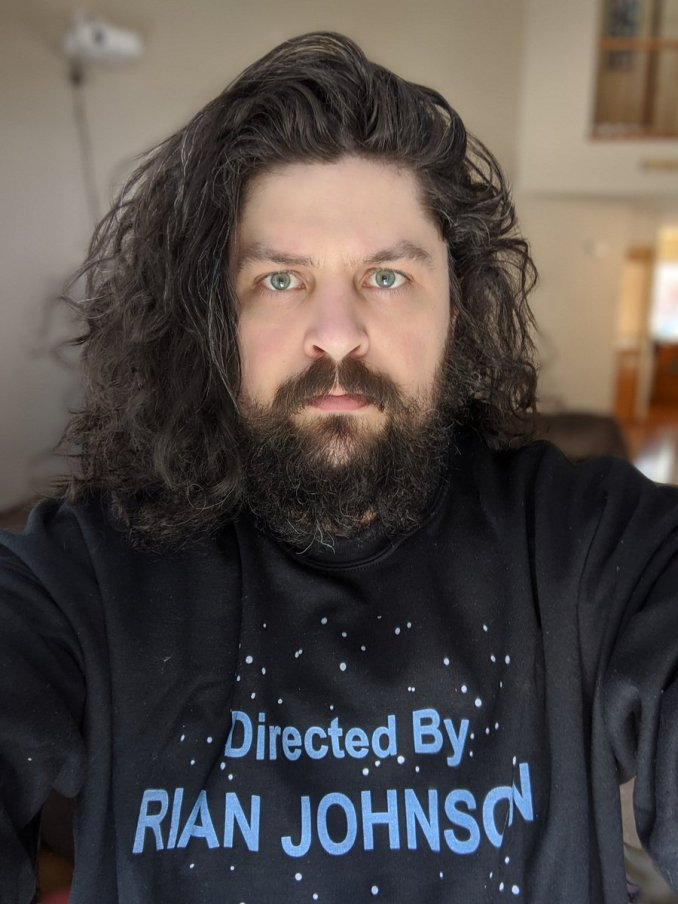 """Das Bild zeigt Jeff Grub von Venture Beat, die Person, die über """"Mass Effect"""" im Zusammenhang mit der Nintendo Switch spricht."""