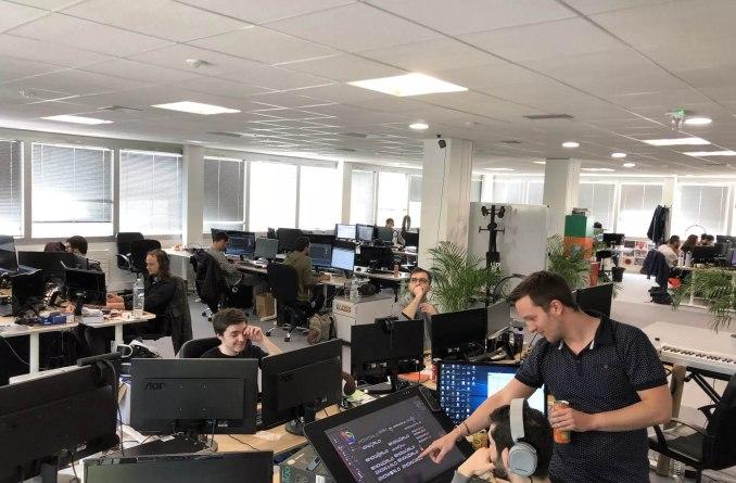 Das bild zeigt ein Entwicklerraum vom Publisher Virtuos