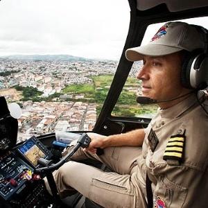 Comandante Hamilton é repórter aéreo da Record
