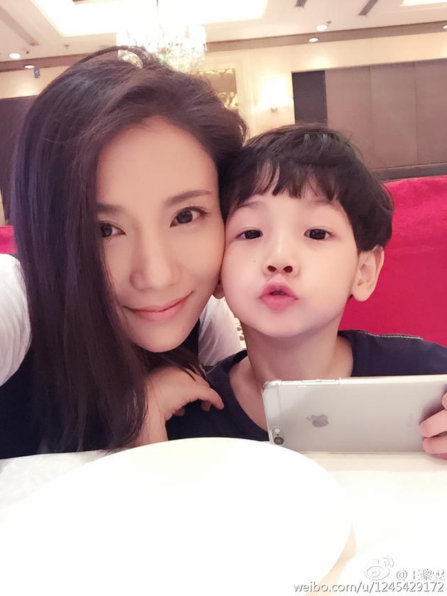 王黎雯与儿子