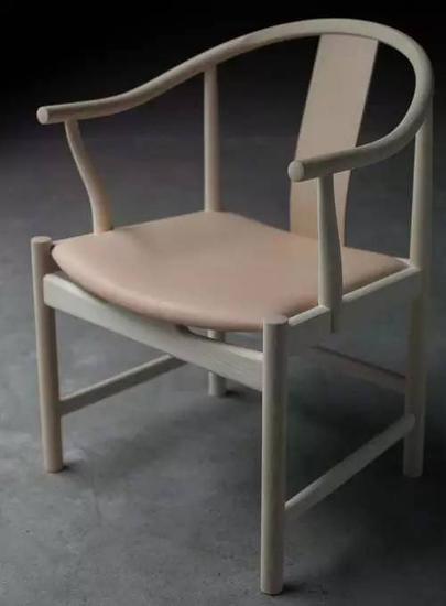 跟明式圈椅一毛一样