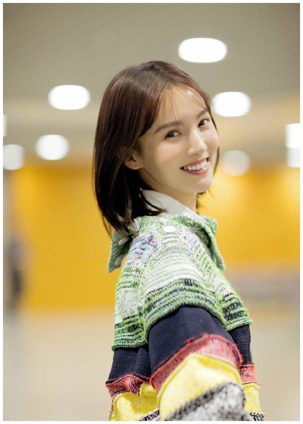 Yuliang King Girl Personality Sweater Black